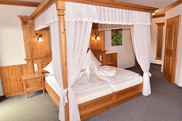 Hotel Zimmer: Himmelbettzimmer | Hotel Wender