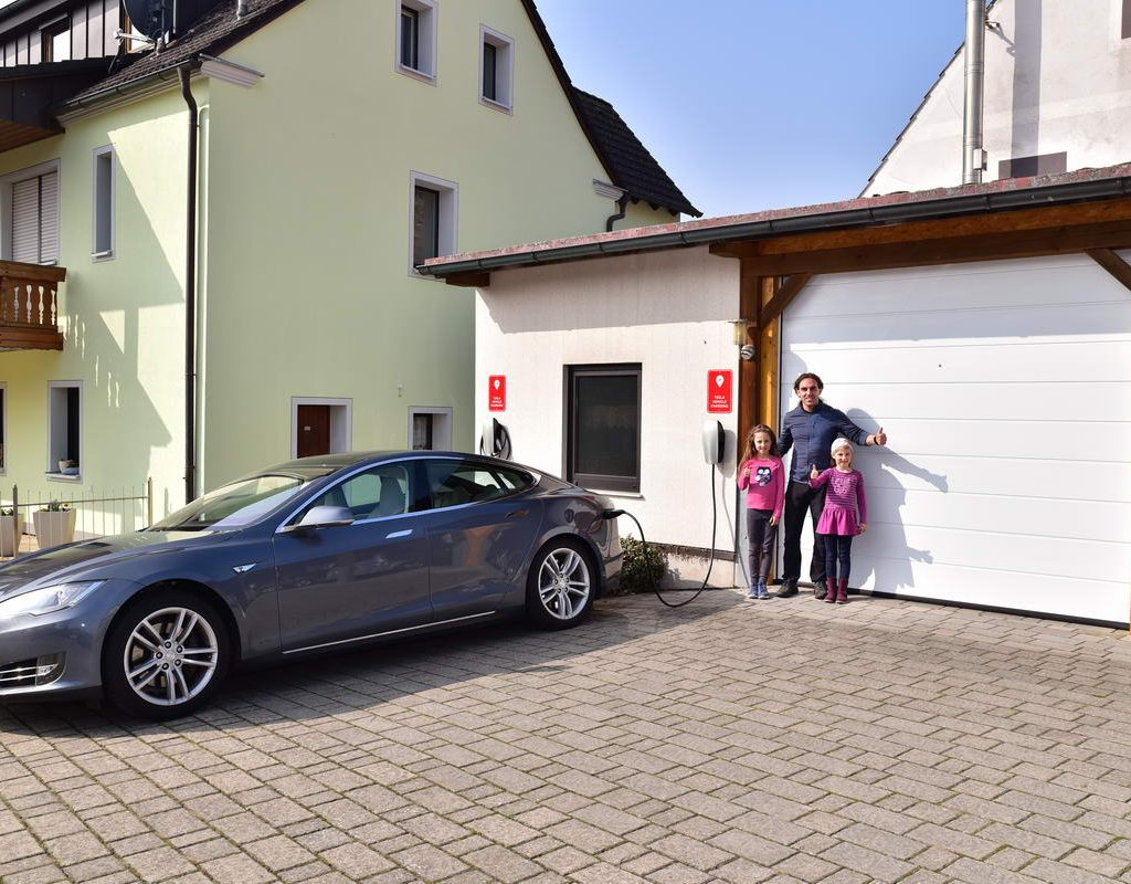 Tesla Destination Charger 1