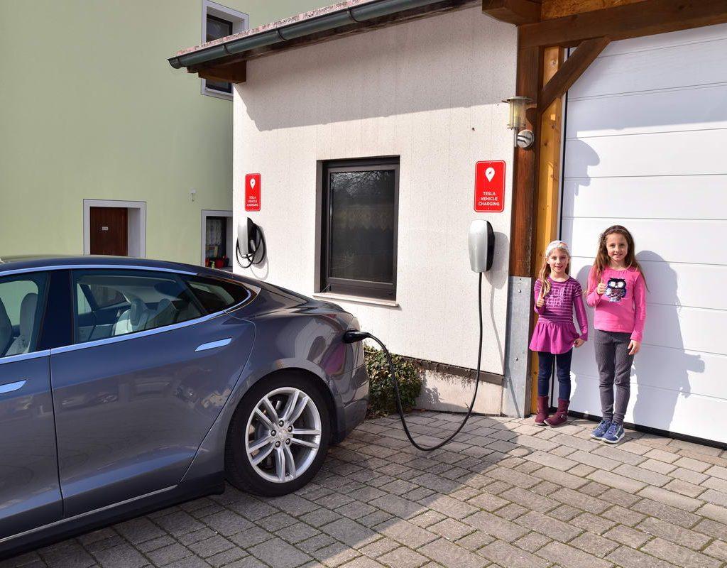 Tesla Destination Charger 2